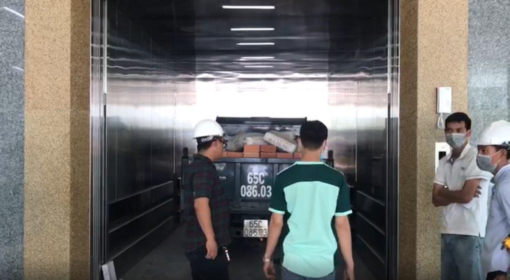 thang máy tải hàng tải trọng lớn